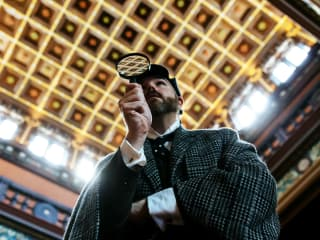 Alley Theatre presents Holmes and Watson