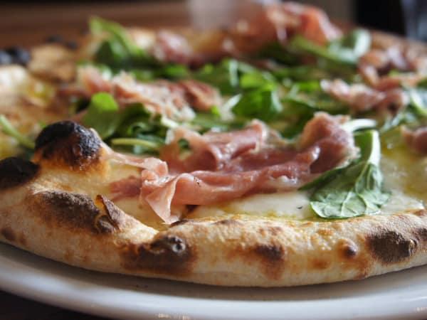 Prosciutto and arugula pizza at Cane Rosso restaurant Dallas