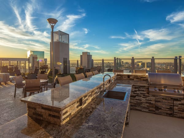 Skyhouse Dallas rooftop