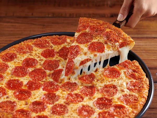 Drive-Thru Gourmet - Pizza Hut Double Cheesy Crust Pan Pizza