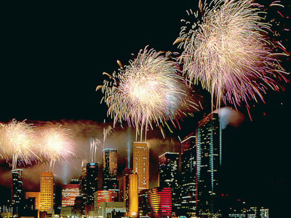 News_Houston_skyline_fireworks_Fourth of July