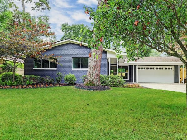 Home for sale in Houston's Lazybrook/Timbergrove neighborhood