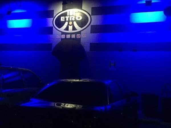 Etro lounge sign