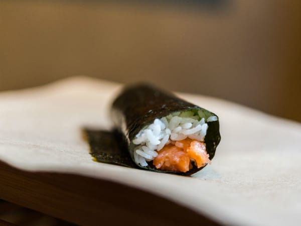 sushi hand roll