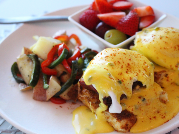 Brunch, eggs benedict, Perch