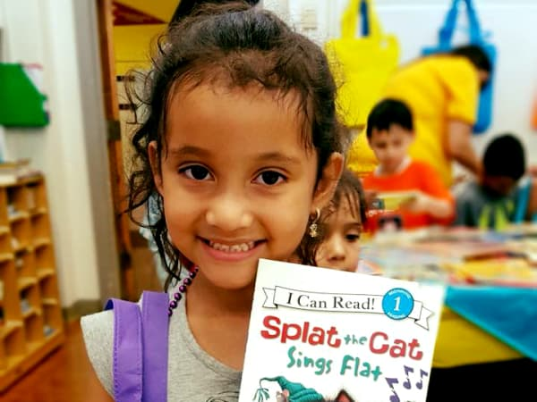 Book Between Kids crop