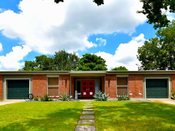 Giveaway House Westbury midcentury modern