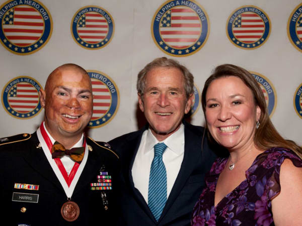 Helping a Hero George W Bush soldier
