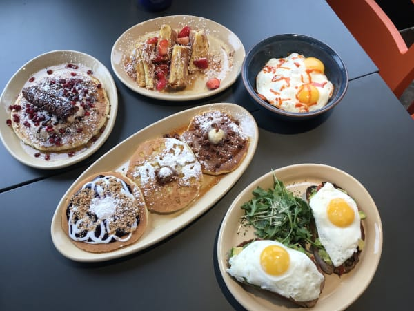 Snooze Am Eatery Galleria brunch spread