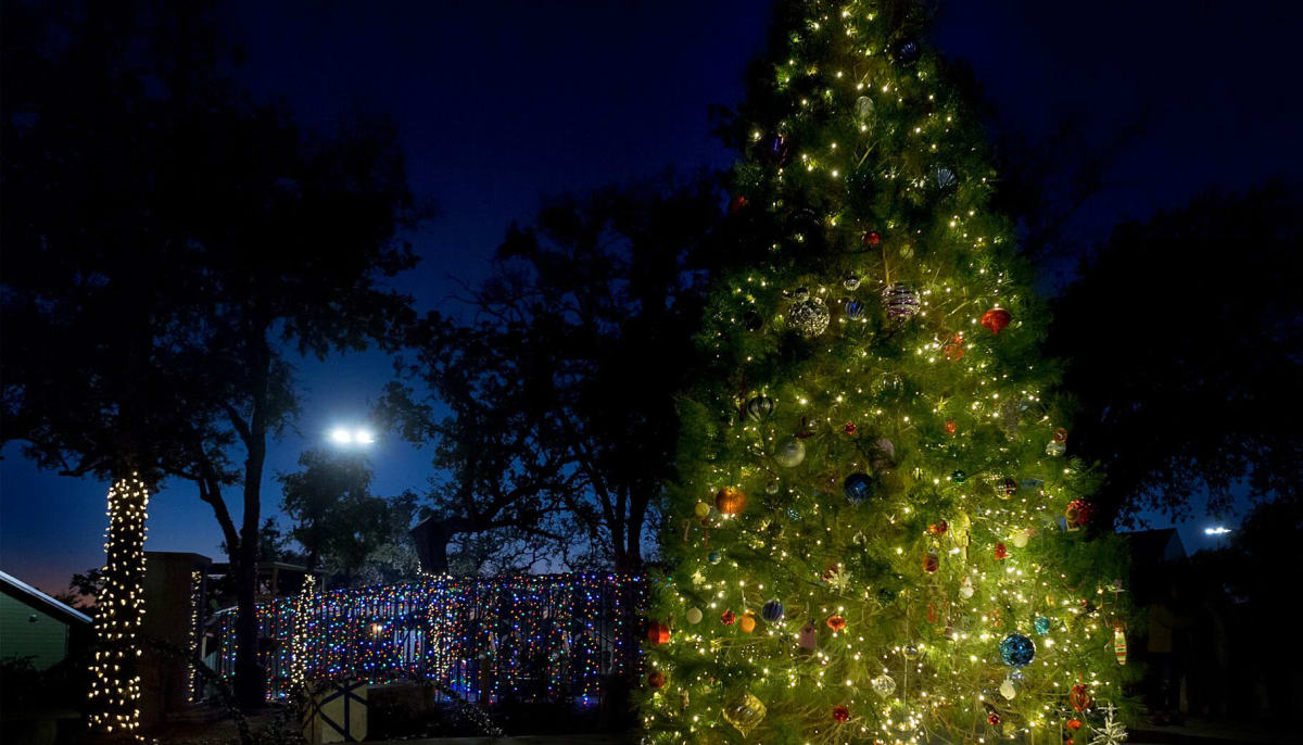 10 best places in austin to watch enchanting holiday light displays culturemap austin