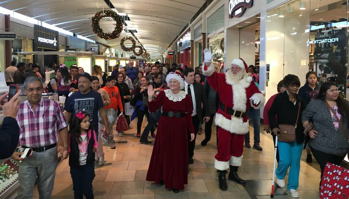 North Star Mall presents Santa\'s Annual Holiday Parade - Event ...