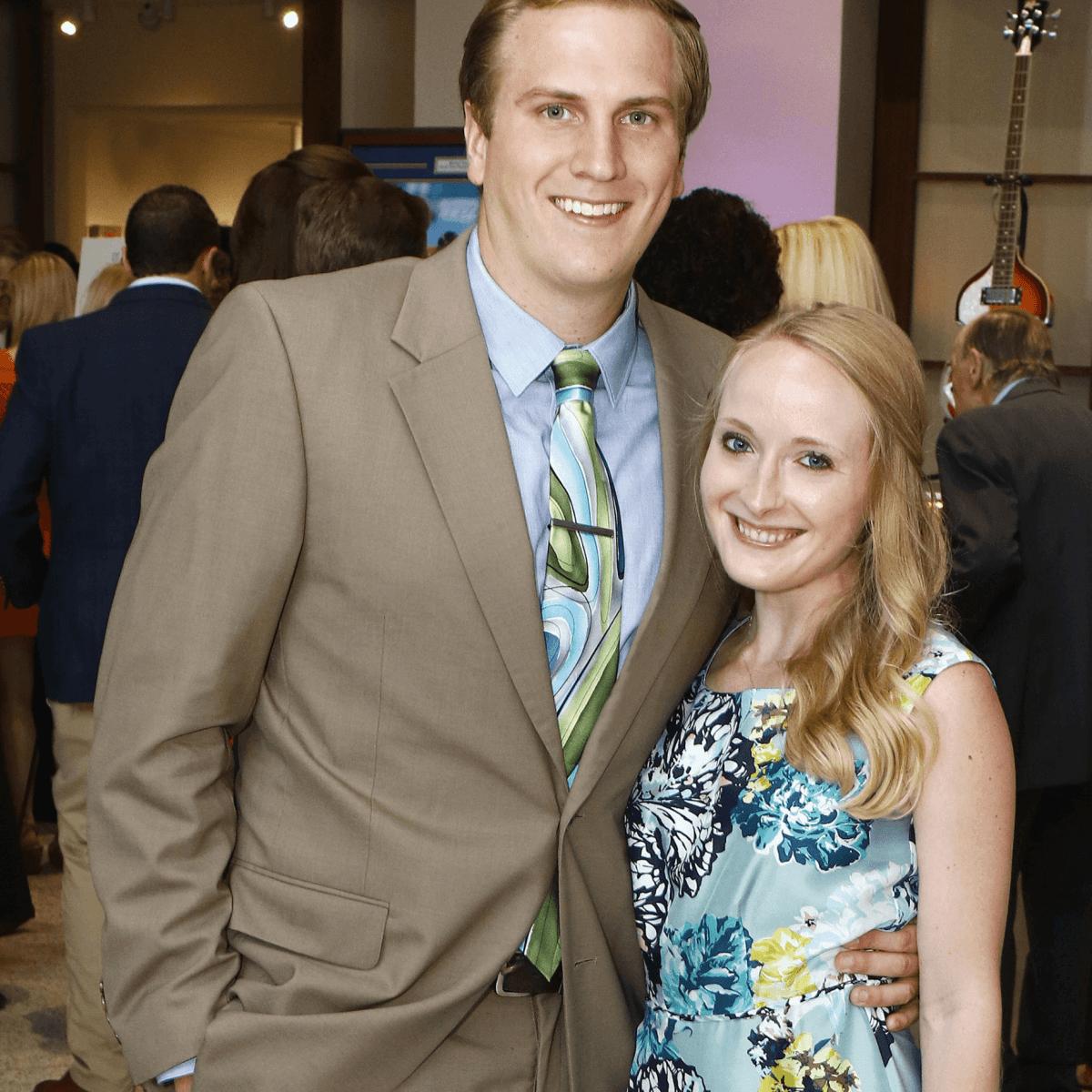 Daniel Mills, Sarah Frazee