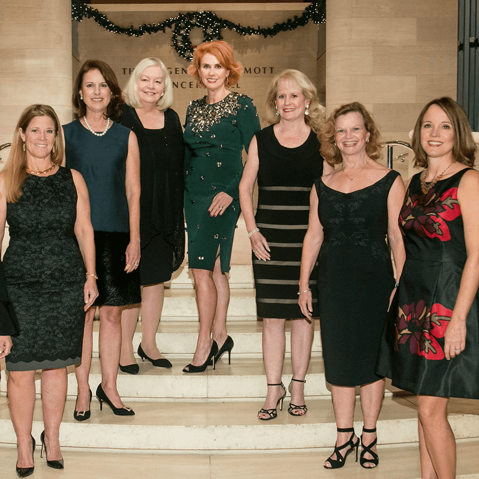 Presentation Ball Co-Chairs Therese Rourk, Eleanor Bond, Lissy Donosky, DSOL President Sandy Secor, Presentation Ball Chair Jolie Humphrey, co-chairs Dixey Arterburn, Ginger Sager and Kim Brannon