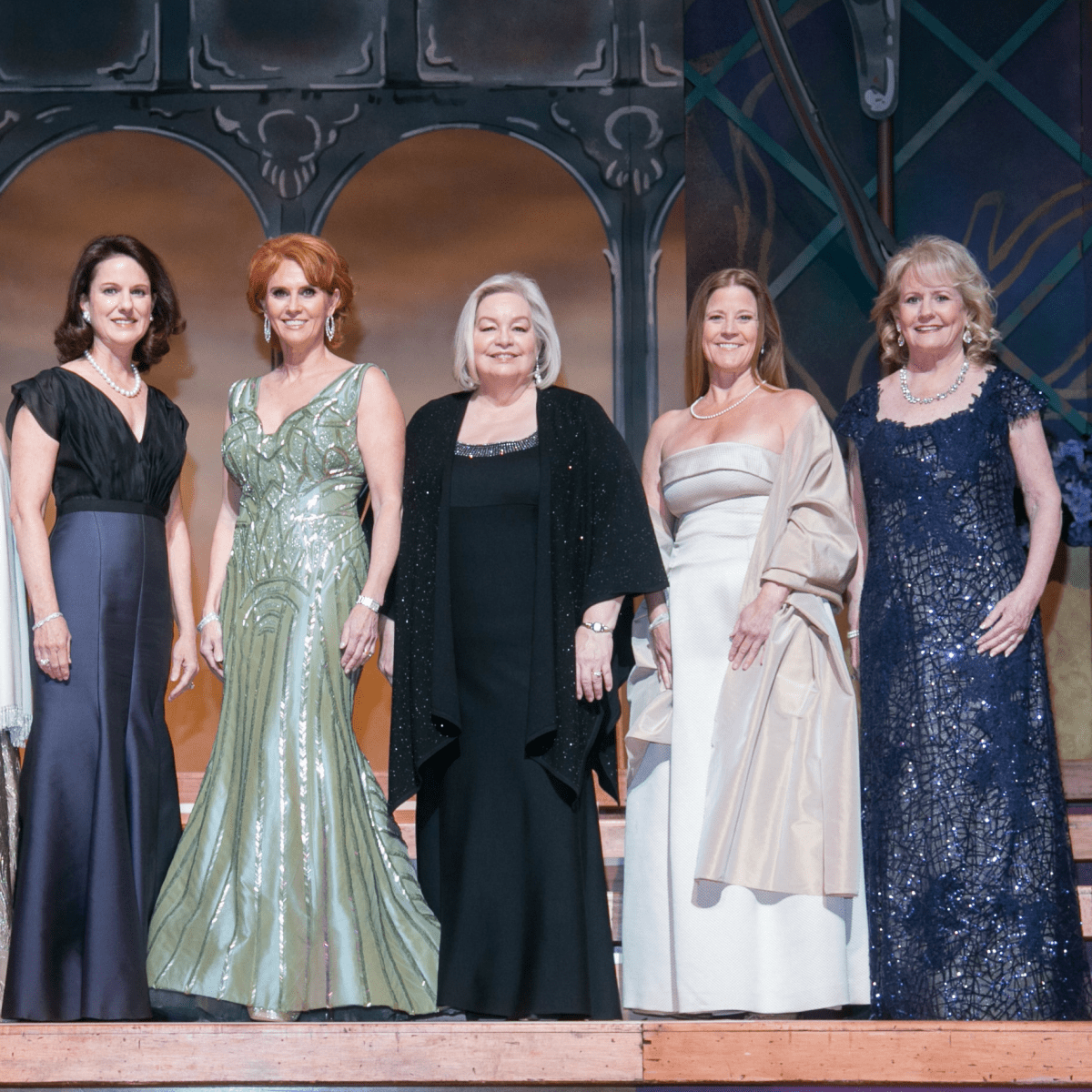 Presentation Ball Committee: Ginger Sager, Therese Rourk, Lissie Donosky, Ball Chair Jolie Humphrey, DSOL President Sandy Secor, Eleanor Bond, Dixey Arterburn