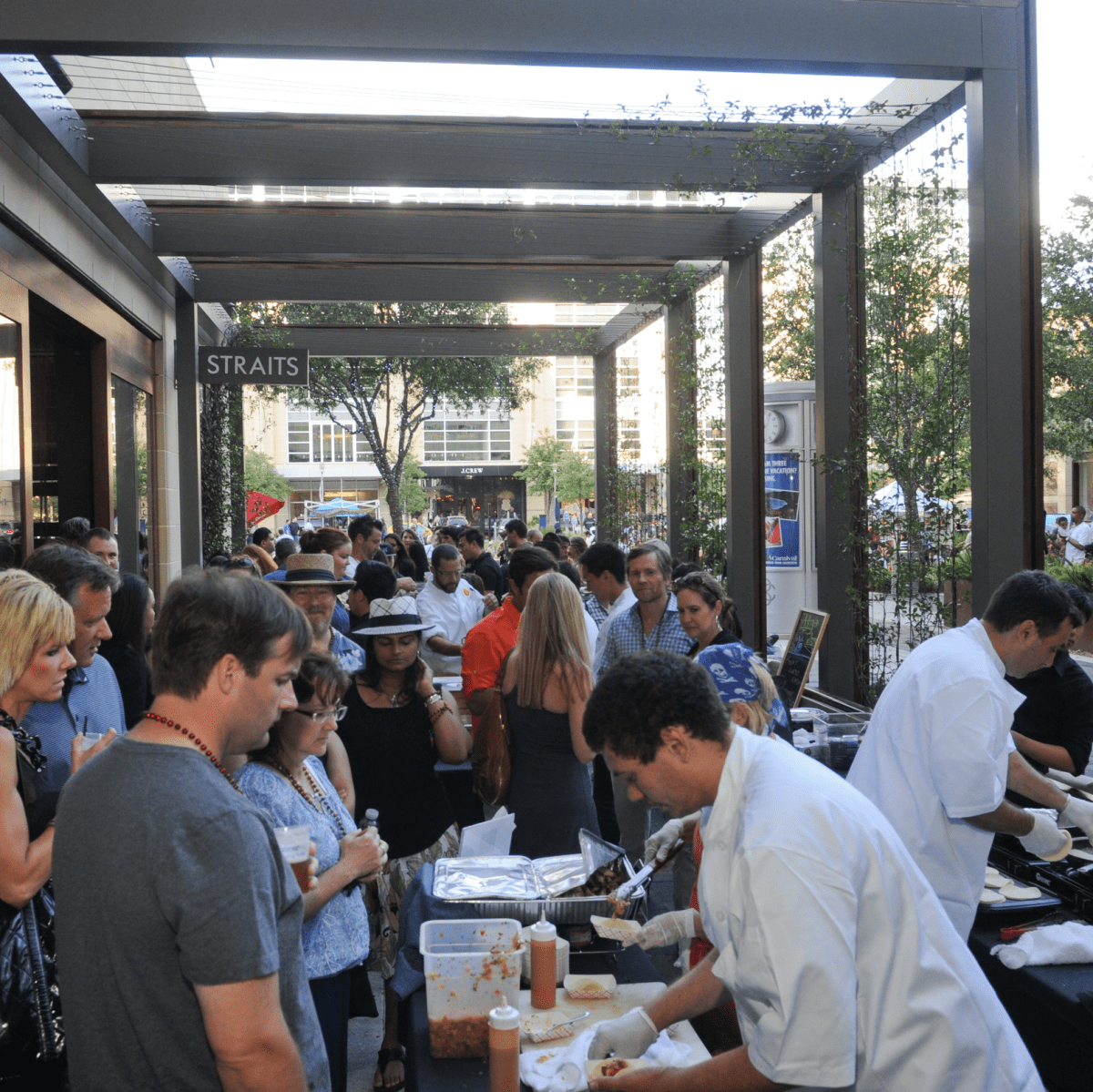 The crowd at the Curry Crawl May 2014