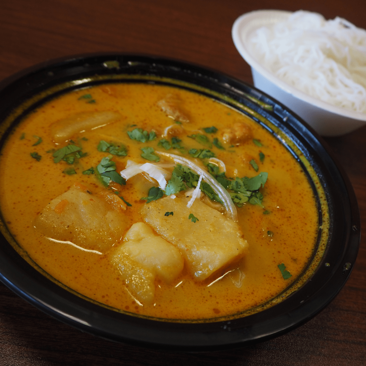 Yummitaco Austin restaurant Vietnamese chicken curry