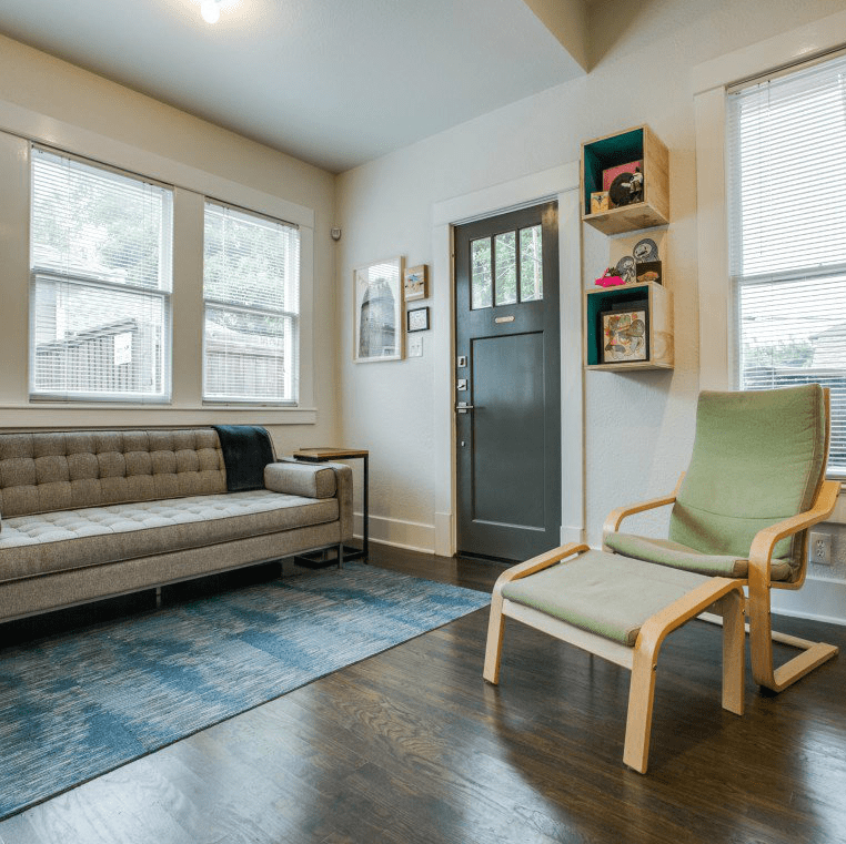 110 North Edgefield Family Room 2