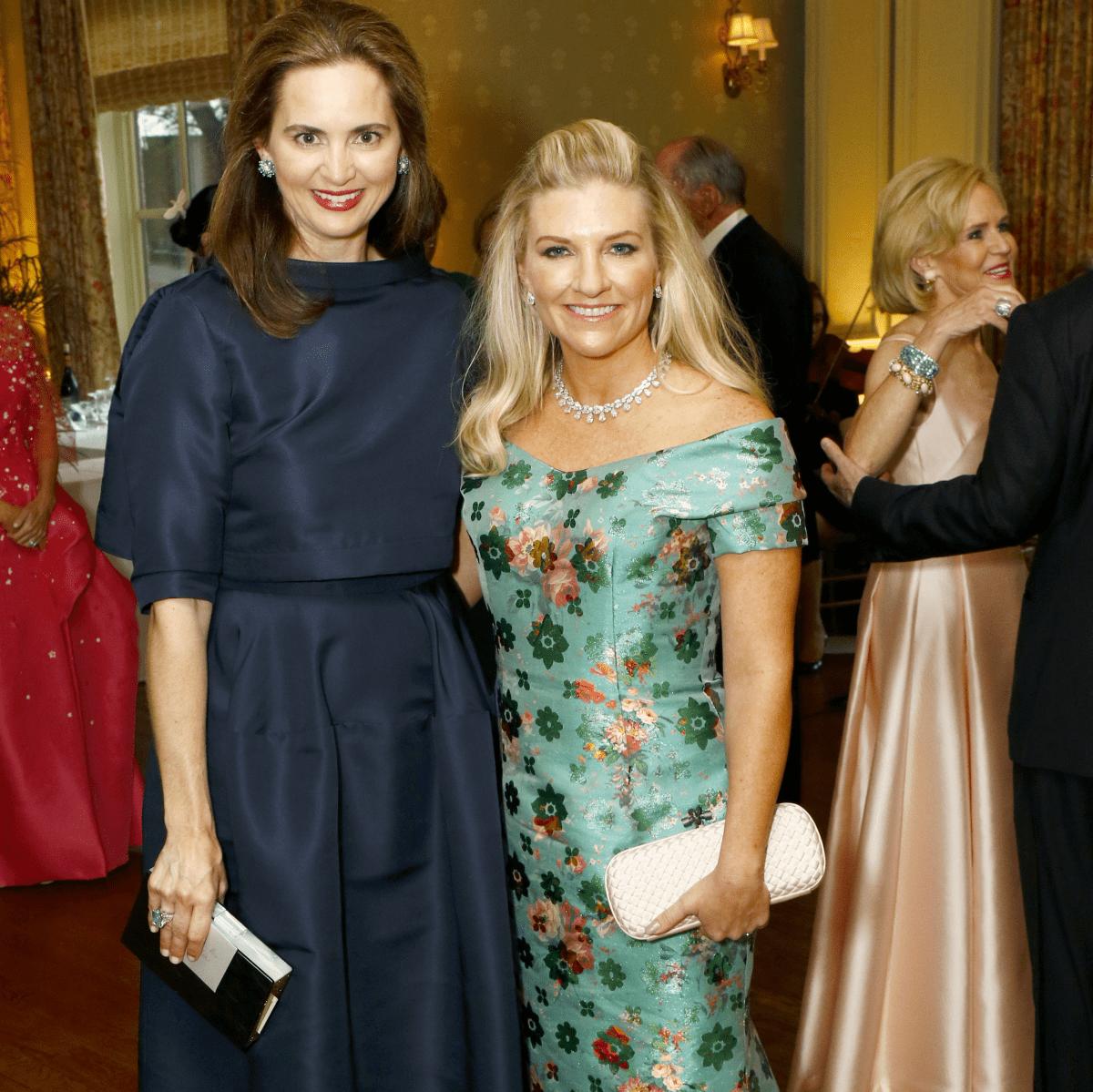 Carrie Becker, Katherine Reeves