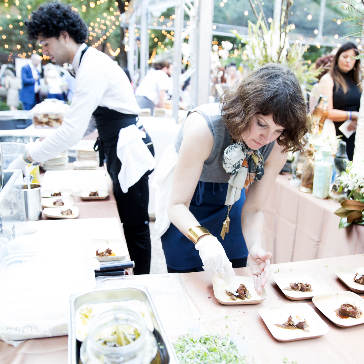 Fabulous Dallas foodies flock to 10th annual TACA Party on the Green ...