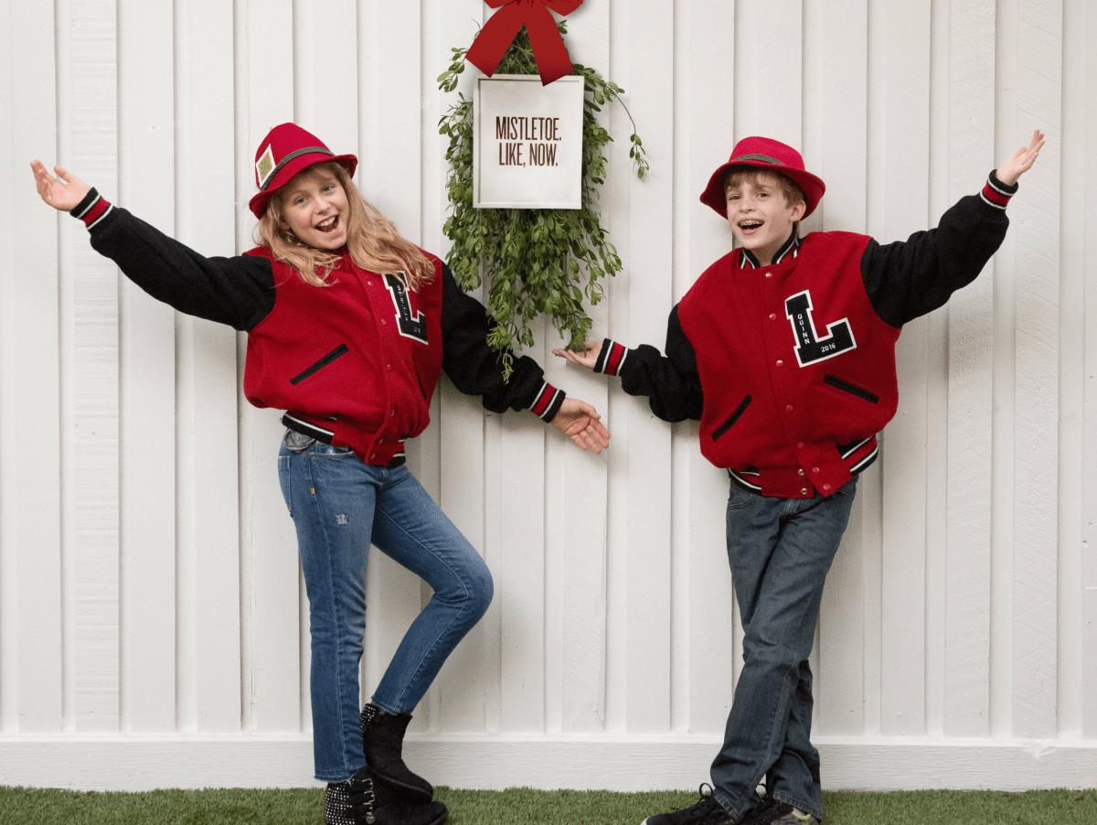 Quinn and Stella Kingle Bell Mistletoe