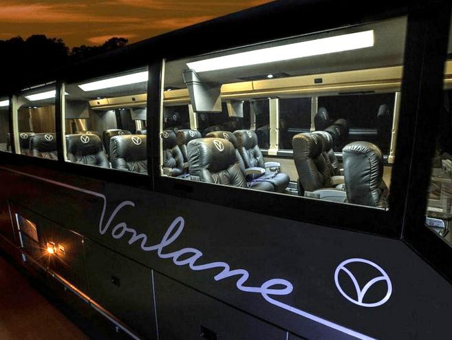 Vonlane bus exterior CROPPED