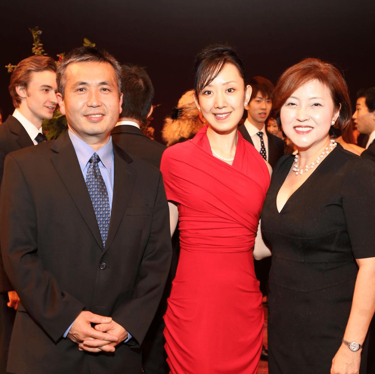 News, Houston Ballet Jubilee of Dance, Dec. 2015,Koichi Kawaka, Nao Kusuzaki, Akemi Saitoh.