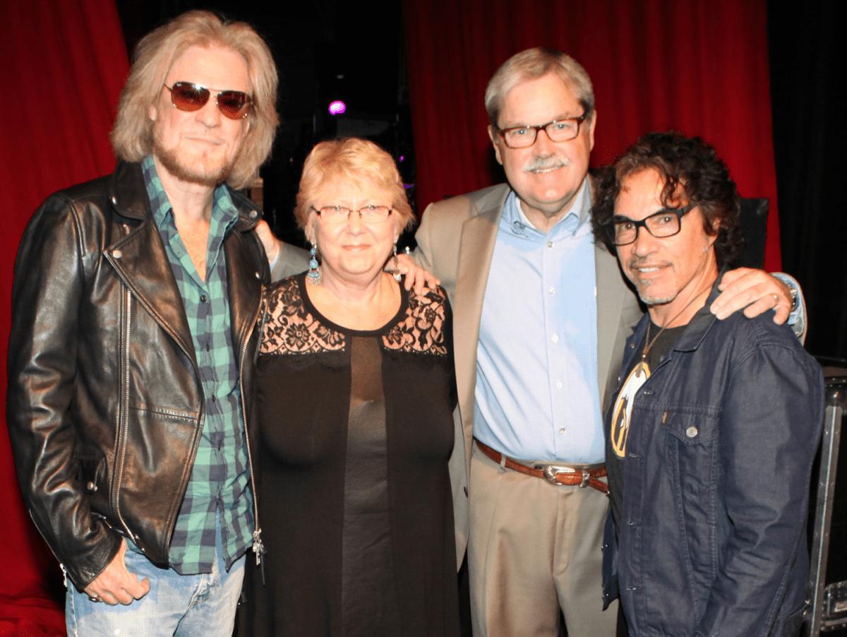 Daryl Hall, John Oates, Brenda James, Larry James