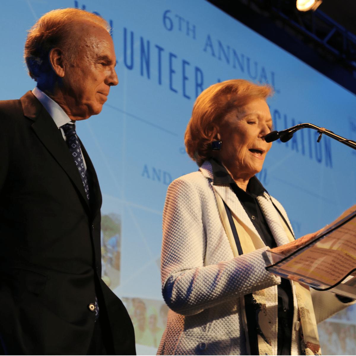 Roger Staubach, Ruth Sharp Altshuler