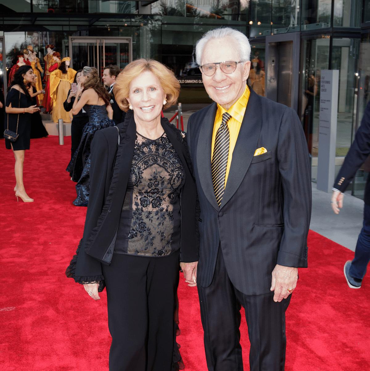 Linda Hart, Mitch Hart