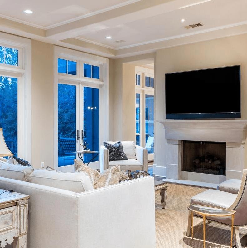 Dennis Quaid Lake Austin Living Room