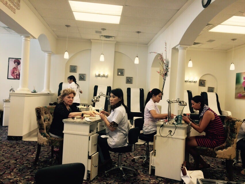 Polish nails san diego