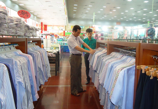 Gần 100% các sản phẩm quần áo bày bán tại siêu thị Dabaco thành phố Bắc Ninh là hàng Việt