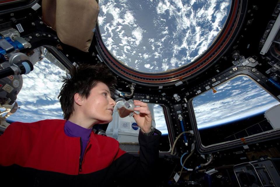 Samanta Kristoforeti - espreso s pogledom na Zemlju