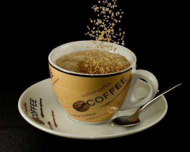 Šećer u kafi, kafa u šećeru (Flickr/Jon)