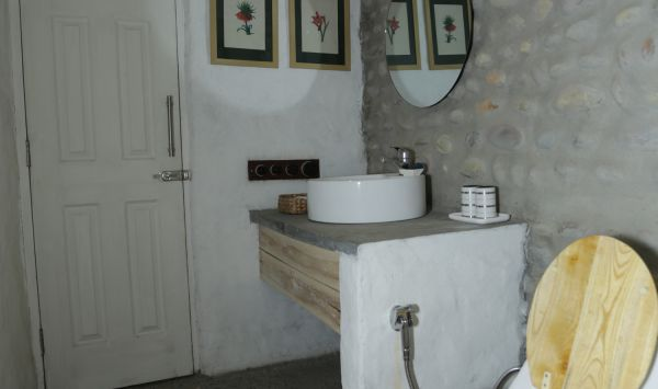 Premier Cottage- Bathroom