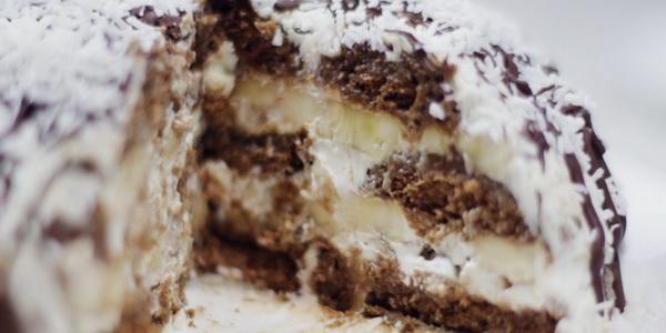 Торт из шоколадных пряников и сметаны