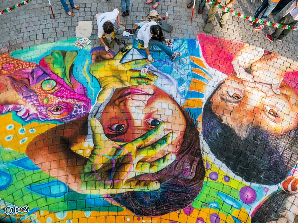 Adry del Rocío - Chalk for Peace - Rostros de niños sonriendo con el símbolo de la paz