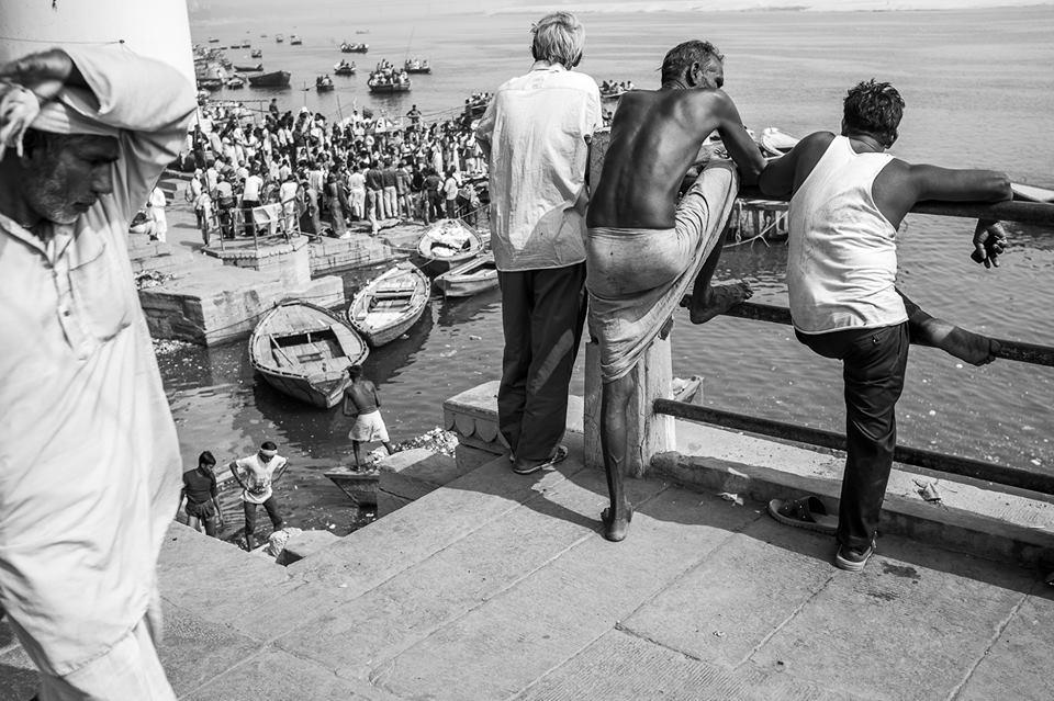 Roberto Flores Buck - fotografía de personas en su rutina en algún puerto