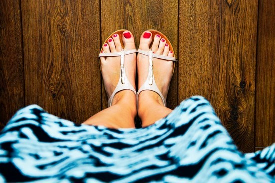 How to cure damaged toenails