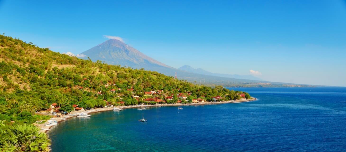 /destinations/far-east/indonesia/private-travel/cruises/Cruises