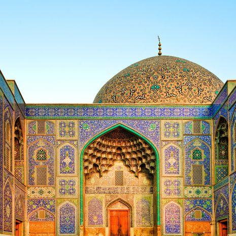 Sheikh Lotfollah Mosque at Naghsh-e Jahan Square, Isfahan