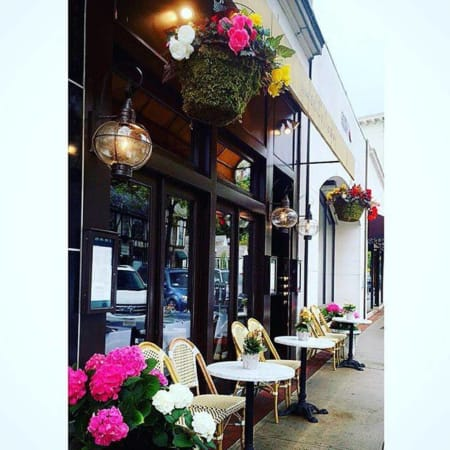 Underhill's Crossing in Bronxville is known for its great sidewalk seating -- as well as its DVlicious brunch.