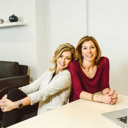 Jennifer Gefsky, left, and Niccole Kroll, right, founders of Après.