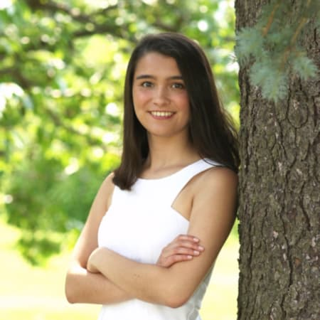 New Canaan Resident Caroline Sarda graduated as valedictorian of Lauralton Hall's Class of 2016.