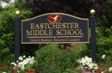 Eastchester Middle School earned an honor from Common Sense Media.