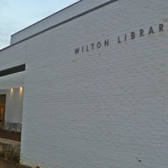 Register for free technology programs at the Wilton Library.