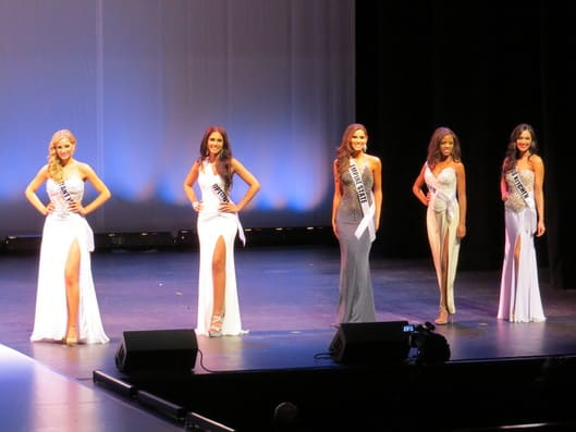 The five finalists for Miss New York U.S.A. before answering the final question in 2013 pageant