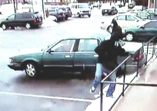 The stolen car used in a bank robbery in Fairfield has Connecticut plates 136-XYB.