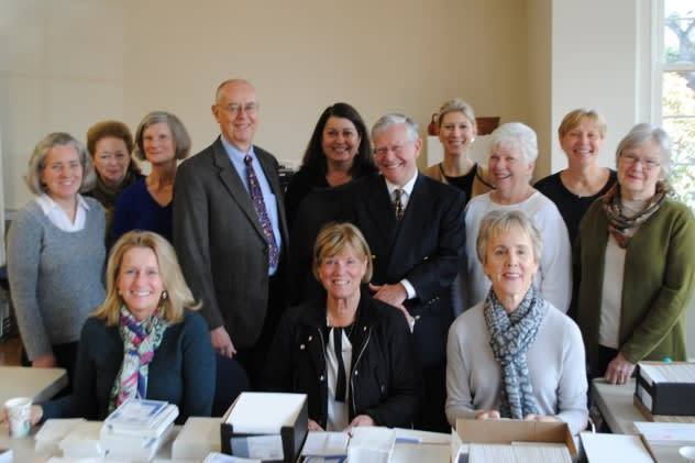 Darien Antiques Show Committee. Back row: Nicole Casey, Marnie Hodil, Wyn Lydecker, Marc Thorne, Susan Wilson, John Bassler, Mariann Bigelow, Mandy Teare, Judith Sinche, Barbara Thorne. Front Row: Molly Watkins, Anne MacInnes and Janet Soskin.