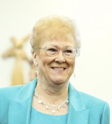 Aline E. Tavella